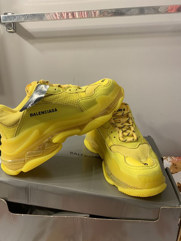 Balenciaga shoes size 39