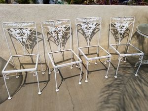 Antique patio set( chairs needs upholstery) for Sale in Moreno Valley, CA
