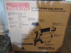Makita siding coil nail gun for Sale in Yulee, FL