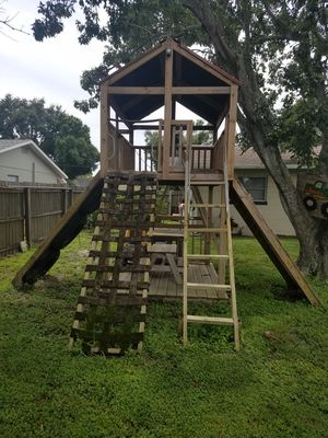 Child outdoor play set for Sale in St. Petersburg, FL