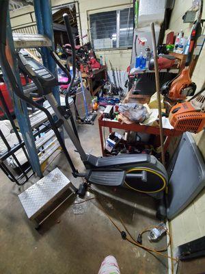 elliptical exercise machine for Sale in Orlando, FL