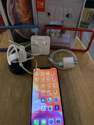 iPhone XS Max 256GB Gold Mint w POWERBEATS 3 for Sale in Orange, CA