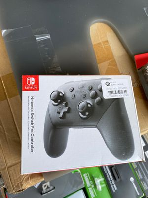 NINTENDO SWITCH PRO CONTROLLER BLACK for Sale in Compton, CA