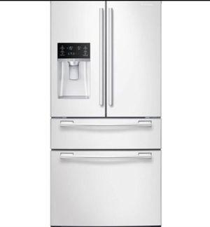 Refrigerator Samsung Fridge Refrigerador Nevera Frió Heladera 33 in. W 24.73 cu. ft. 4-Door French Door White RF25HMEDBWW for Sale in Medley, FL