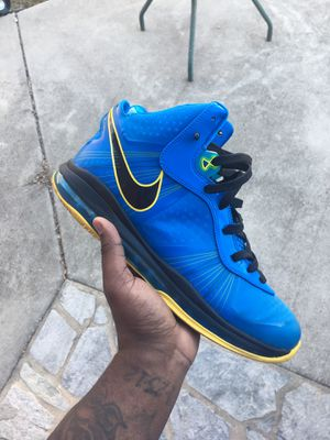 Lebron 8 Entourage Size 13 for Sale in Oxon Hill, MD
