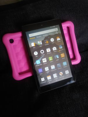 Amazon Kindle Fire HD 7 Tablet 5th Generation Fire OS 5 Magenta 8G for Sale in Mojave, CA