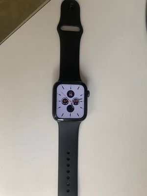 Apple Watch Series 5 44MM Space Gray Aluminum Case Black Sport Band for Sale in Fernandina Beach, FL