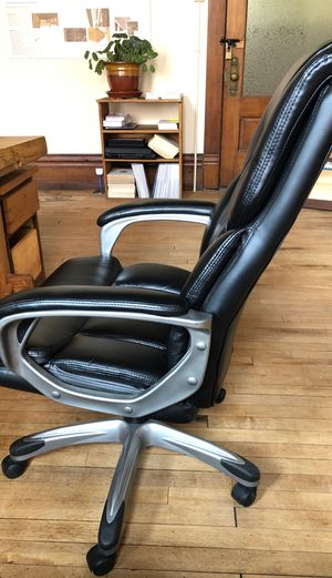 Comfy sitting device for Sale in Nashville, TN