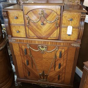 Vintage Chest of Drawers for Sale in Fort Lauderdale, FL