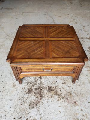Coffee table for Sale in Marne, MI