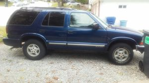1999 chevy 4dr blazer for Sale in Saint Charles, MO