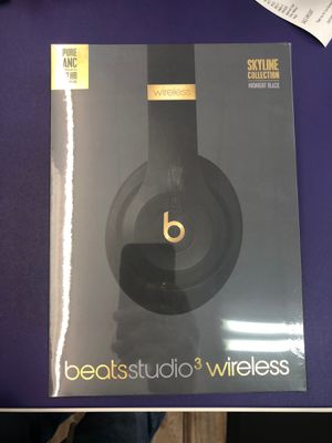 Beats studio 3 wireless for Sale in Daly City, CA