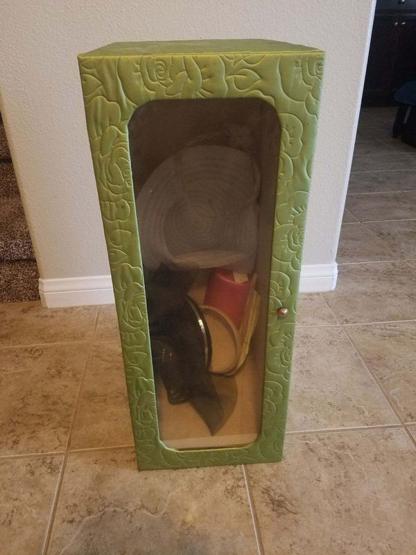 Beautiful Vintage Hat Box