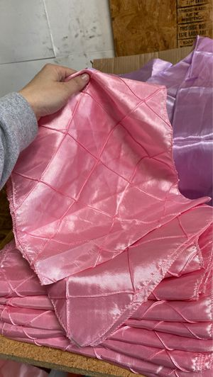 10 Pink Tablerunners for Sale in Union City, CA