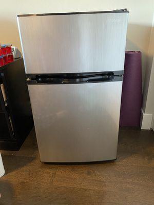 Insignia Mini Fridge w/ Freezer for Sale in Tacoma, WA