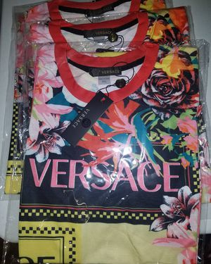 Men ' s Versace Shirt for Sale in Gonzales, LA