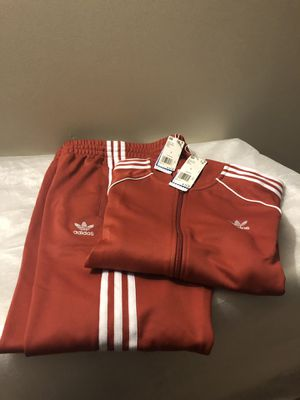 NEW ADIDAS OUTFIT SIZE-LARGE MENS for Sale in Jessup, MD