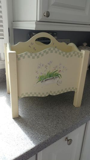 Magazine rack for Sale in Tyngsborough, MA