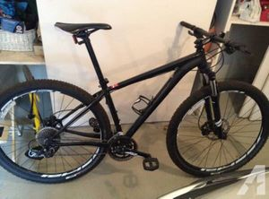 29 inch black rockhopper specialized With disc brakes for Sale in Seattle, WA