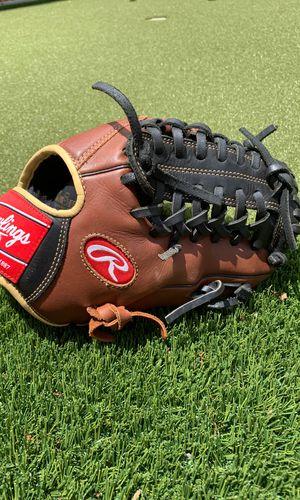 "Rawlings 11.75"" baseball glove for Sale in Arlington, TX"