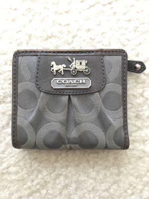 Grey COACH wallet for Sale in Orlando, FL