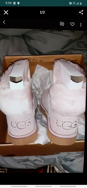 Uggs size 9 Blush Pink Bling ...Brand new $100 for Sale in Middletown, OH