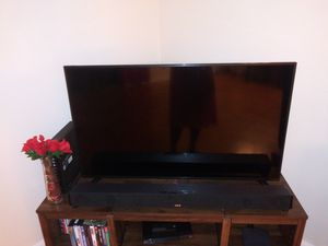 43 inch and 42 inch tvs Read Description for Sale in Chestnut Hill, MA
