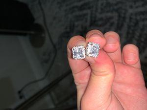 Stud earrings for Sale in Lakewood, CA