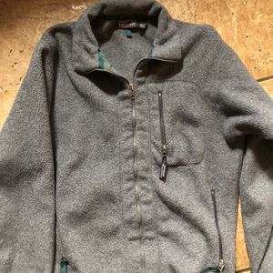 Patagonia Men's Fleece Jacket Size Small $25 Good Condition . Pick Up Only River Oaks Qt 2601 Jacksboro Hwy. 76114 for Sale in Fort Worth, TX