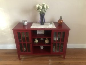 Red table in mint condition for Sale in Hialeah, FL