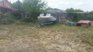 Boat evinrude for Sale in Laredo, TX