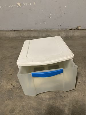Sterlite Plastic Drawer Storage for Sale in Long Beach, CA