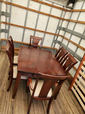 Dining room table and 6 chairs for Sale in Hollywood, FL