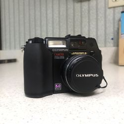 Olympus Camedia C-5050 Zoom for Sale in Boise,  ID
