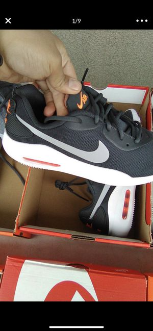 Brand new maxes siz 8 for Sale in Columbus, OH