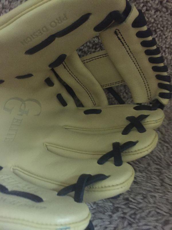 Rawling baseball glove