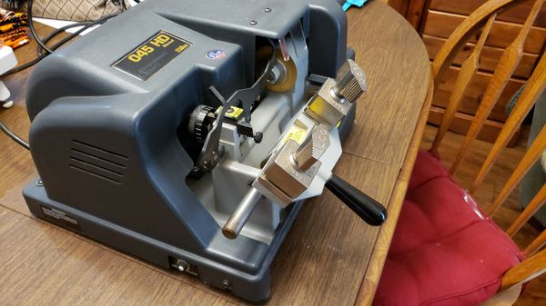 Ilco 045 HD key machine