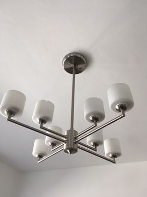 8 cup modern chandelier for Sale in Los Angeles, CA