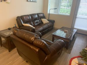 Living room set for Sale in Huntington Beach, CA