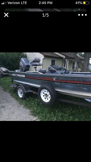 1989 Bass Tracker V17 17ft sold as is for Sale in University Park, IL