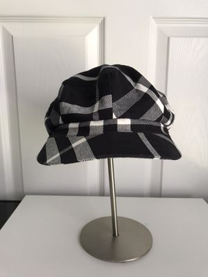 Burberry London Hat Cap - Medium for Sale in Kissimmee, FL