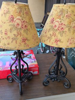 2 Vintage Lamps for Sale in Buena Park,  CA