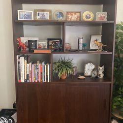 MID-CENTURY INSPIRED BOOKSHELF RETRO VINTAGE LIKE NEW for Sale in Burbank,  CA