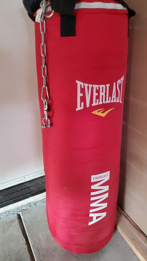 Punching bag. Everlast for Sale in Hayward, CA