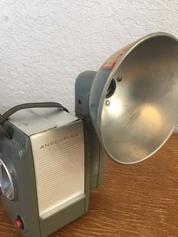 Anscoflex Vintage 1940's Camera With Carry Bag for Sale in Alviso, CA