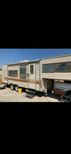 Fifth wheel travel trailer for Sale in Las Vegas, NV