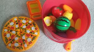 Kids playing fruits and vegetables set with pizza knife and cutting board for Sale in Bloomington, MN
