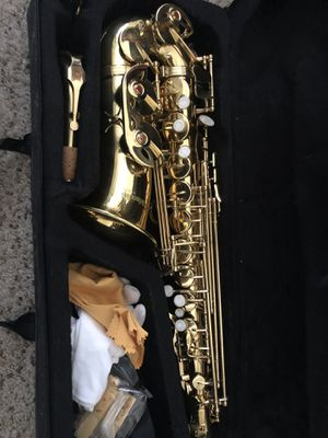 Gold E Flat Alto Saxophone with case & accessories for Sale in Las Vegas, NV