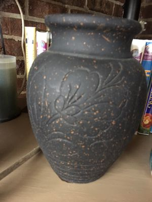 Clay flower pot for Sale in Murfreesboro, TN