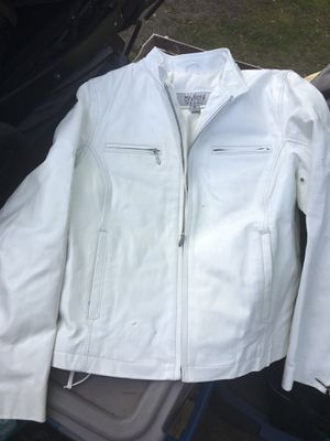 LNEW Ladies leather riding jacket Size mediumonly 40 firm for Sale in Glen Burnie, MD